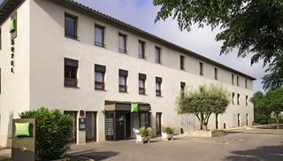 HOTEL IBIS STYLES CARCASSONNE LA CITE - Carcassonne
