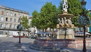 PLACE CARNOT ET SA FONTAINE - Carcassonne