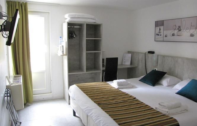 BRIT HOTEL BOSQUET 8 - Carcassonne