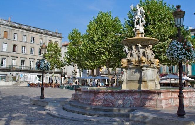 PLACE CARNOT ET SA FONTAINE 1 - Carcassonne